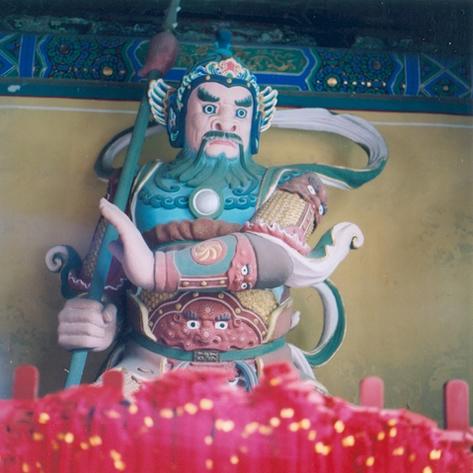 pekin-97-temple-dongyue-si-gardien-2