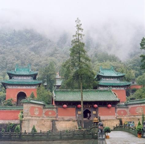 wudangshan-09-temple-des-nuage-pourpre