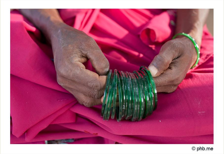 331-hampi-lafemmeauxbraceletsvert-india2011-novembre