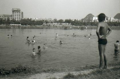guiling-02-baignade-riviere-li
