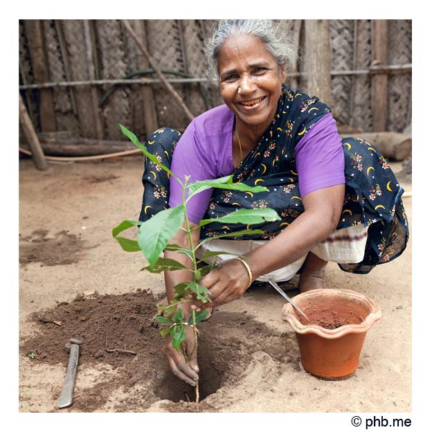 femme-serenity2011-lakshmi-001