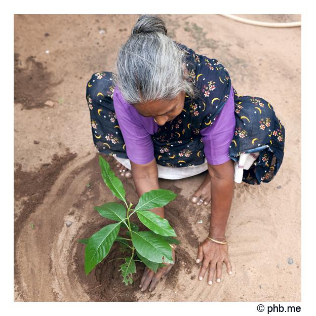 femme-serenity2011-lakshmi-001c